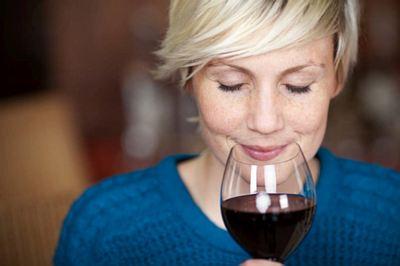 Hemeroidi vole kada pijete vino
